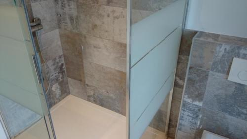 cco-concept-artisan-carreleur-soignies-mons-chape-credence-pierre-naturelle-salle-de-bain-credence1